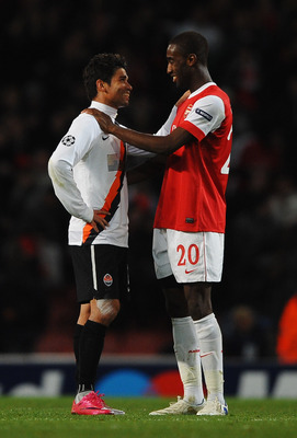LONDON, ENGLAND - OCTOBER 19:  Eduardo of Shakhtar Donetsk talks to Johan Djourou of Arsenal after the UEFA Champions League Group H match between Arsenal and FC Shakhtar Donetsk at the Emirates Stadium on October 19, 2010 in London, England.  (Photo by L