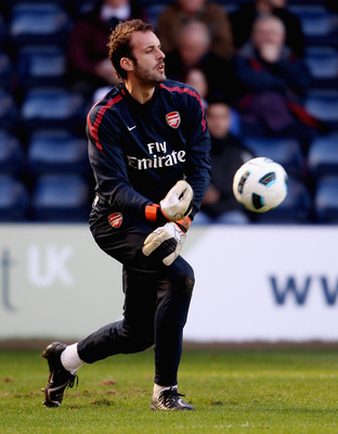 WEST BROMWICH, ENGLAND - MARCH 19:  Manuel Almunia of Arsenal prior to the Barclays Premier League match between West Bromwich Albion and Arsenal at The Hawthorns on March 19, 2011 in West Bromwich, England.  (Photo by Scott Heavey/Getty Images)