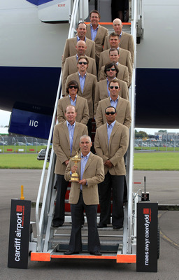 CARDIFF, WALES - SEPTEMBER 27:  In this handout image provided by Ryder Cup Europe, USA team captain Corey Pavin arrives with the USA team at Cardiff Airport prior to the start of the 2010 Ryder Cup on September 27, 2010 in Cardiff, Wales.  (Photo by Ryde