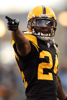 PITTSBURGH - DECEMBER 27:  Ike Taylor #24 of the Pittsburgh Steelers gestures during the game against the Baltimore Ravens at Heinz Field on December 27, 2009 in Pittsburgh, Pennsylvania.  Pittsburgh won the game, 23-20.  (Photo by Karl Walter/Getty Image