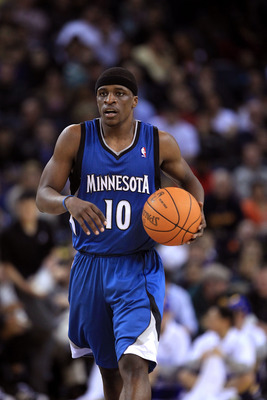 OAKLAND, CA - DECEMBER 14:  Jonny Flynn #10 of the Minnesota Timberwolves in action against the Golden State Warriors at Oracle Arena on December 14, 2010 in Oakland, California.  NOTE TO USER: User expressly acknowledges and agrees that, by downloading a