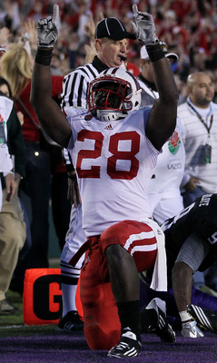 PASADENA, CA - JANUARY 01:  Running back Montee Ball #28 of the Wisconsin Badgers celebrates a touchdown against the TCU Horned Frogs during the 97th Rose Bowl game on January 1, 2011 in Pasadena, California.  (Photo by Stephen Dunn/Getty Images)