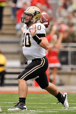 COLUMBUS, OH - OCTOBER 23:  Quarterback Sean Robinson #10 of the Purdue Boilermakers passes against the Ohio State Buckeyes at Ohio Stadium on October 23, 2010 in Columbus, Ohio.  (Photo by Jamie Sabau/Getty Images)
