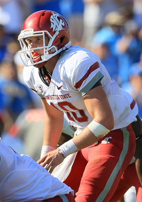 PASADENA, CA - OCTOBER 02:  Quarterback Jeff Tuel #10 of the Washington State Cougars plays against the UCLA Bruins in the game at the Rose Bowl on October 2, 2010 in Pasadena, California.  (Photo by Jeff Gross/Getty Images)