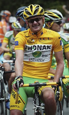 PARIS - JULY 23:  - JULY 22:  Floyd Landis of the USA and Phonak poses for photographers at the start of the final stage of the 93rd Tour de France, on July 23 2006 in Paris, France.  (Photo by Bryn Lennon/Getty Images)