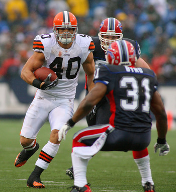 ORCHARD PARK, NY - DECEMBER 12: Peyton Hillis #40 of the Cleveland Browns runs against Jairus Byrd #31 of the Buffalo Bills  at Ralph Wilson Stadium on December 12, 2010 in Orchard Park, New York.  (Photo by Rick Stewart/Getty Images)