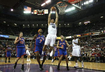 SACRAMENTO, CA - NOVEMBER 25: Jon Brockman #40 of the Sacramento Kings shoots against the New York Knicks on November 25, 2009 at ARCO Arena in Sacramento, California. NOTE TO USER: User expressly acknowledges and agrees that, by downloading and/or using