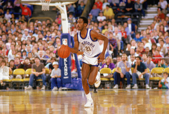 1988:  Eric Sleepy Floyd #21 of the Golden State Warriors drives upcourt during an NBA game in the 1988-89 season. NOTE TO USER: User expressly acknowledges and agrees that, by downloading and/or using this Photograph, User is consenting to the terms and