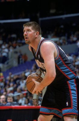 23 Dec 2000:  Bryant reeves #50 of the Vancouver Grizzlies with the ball during the game against the Los Angeles Clippers at the STAPLES Center in Los Angeles, California.  The Clippers defeated the Grizzlies 92-90.    NOTE TO USER: It is expressly unders
