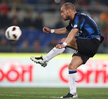 ROME, ITALY - APRIL 19: Wesley Sneijder of FC Internazionale Milano kicks the ball during the TIM Cup semi-final match between AS Roma and FC Internazionale Milano at Stadio Olimpico on April 19, 2011 in Rome, Italy.  (Photo by Paolo Bruno/Getty Images)