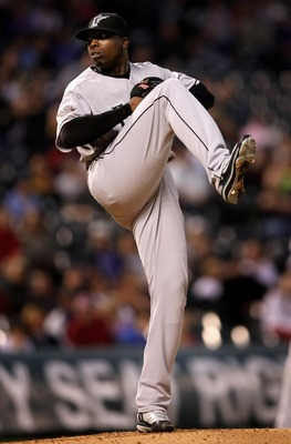 DENVER - SEPTEMBER 14:  Starting pitcher Dontrelle Willis #35 of the Florida Marlins delivers against the Colorado Rockies at Coors Field on September 14, 2007 in Denver, Colorado.  (Photo by Doug Pensinger/Getty Images)