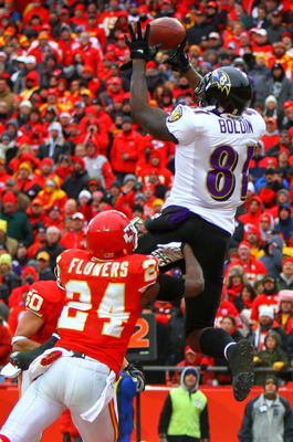 KANSAS CITY, MO - JANUARY 09:  Wide receiver Anquan Boldin #81 of the Baltimore Ravens makes a catche for a touchdown in the third quarter of the 2011 AFC wild card playoff game against the Kansas City Chiefs at Arrowhead Stadium on January 9, 2011 in Kan