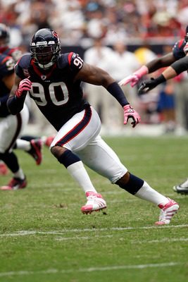 HOUSTON - OCTOBER 10:  Mario Williams #90 of the Houston Texans in action during the game against the New York Giants at Reliant Stadium on October 10, 2010 in Houston, Texas.  (Photo by Chris Graythen/Getty Images)