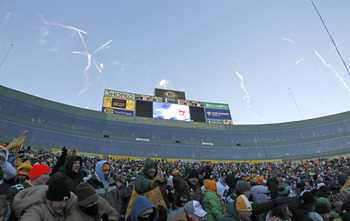 GREEN BAY, WI - FEBRUARY 08:  Fireworks are shot off over Lambeau Field following the Packers victory ceremony on February 8, 2011 in Green Bay, Wisconsin.  (Photo by Matt Ludtke/Getty Images)