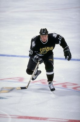 15 Jan 1999: Brian Skrudland #10 of the Dallas Stars skates during the game against the Anaheim Mighty Ducks at the Arrowhead Pond in Anaheim, California. The Stars defeated the Ducks 3-1. Mandatory Credit: Vincent Laforet  /Allsport