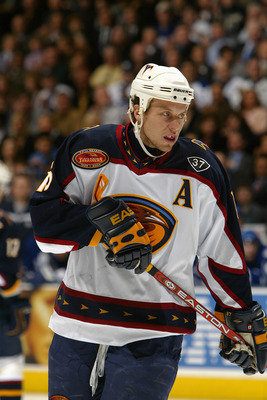 TORONTO - MARCH 29:  Right wing Dany Heatley #15 of the Atlanta Thrashers is on the ice for the game against the Toronto Maple Leafs at Air Canada Centre on March 29, 2004 in Toronto, Ontario. The Maple Leafs defeated the Thrashers 4-2. (Photo By Dave San