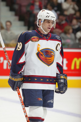 VANCOUVER - FEBRUARY 13:  Right wing Shawn McEachern #19 of the Atlanta Thrashers looks on during the game against the Vancouver Canucks at General Motors Place on February 13, 2004 in Vancouver, Canada. The Thrashers defeated the Canucks 4-1. (Photo by J