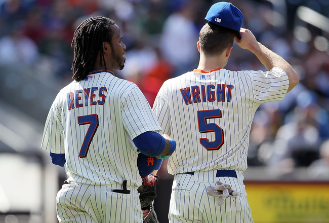 NEW YORK, NY - MAY 05:  Jose Reyes #7 and David Wright #5 of the New York Mets take the field against the San Francisco Giants on May 5, 2011 at Citi Field in the Flushing neighborhood of the Queens borough of New York City. The Mets defeated the Giants 5