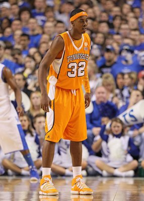 LEXINGTON, KY - FEBRUARY 13:  Scotty Hopson #32 of the Tennessee Volunteers looks on during the SEC game against the Kentucky Wilcats on February 13, 2010 at Rupp Arena in Lexington, Kentucky.  (Photo by Andy Lyons/Getty Images)