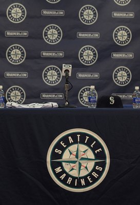 PEORIA, AZ - FEBRUARY 21:  The podium before a  press conference with Ken Griffey Jr. of the Seattle Mariners on February 21, 2009 in Peoria, Arizona.  (Photo by Ronald Martinez/Getty Images)
