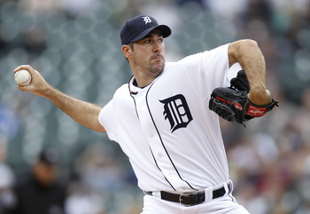 DETROIT, MI - APRIL 11:  Justin Verlander #35 of the Detroit Tigers throws a pitch while playing the Texas Rangers at Comerica Park on April 11, 2011 in Detroit, Michigan.  (Photo by Gregory Shamus/Getty Images)