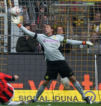 Dortmund's Anchor: Roman Weidenfeller