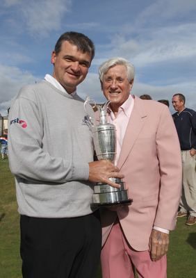 LUNDIN LINKS, SCOTLAND - JULY 11: Doug Sanders of the USA poses with former Open Champion Paul Lawrie of Scotland during the Opening Ceremony for the 2010 Junior Open Championship held at the Lundin Golf Club,in Lundin Links on July 11, 2010 in St Andrews