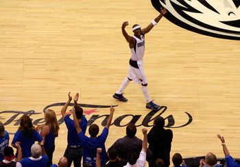 Jason Terry pumps up the crowd in the AAC (Dallas)