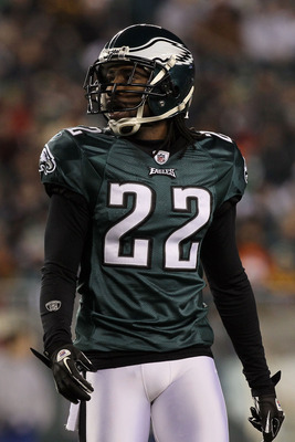 PHILADELPHIA, PA - DECEMBER 28:  Asante Samuel #22 of the Philadelphia Eagles in action against the Minnesota Vikings at Lincoln Financial Field on December 28, 2010 in Philadelphia, Pennsylvania.  (Photo by Jim McIsaac/Getty Images)