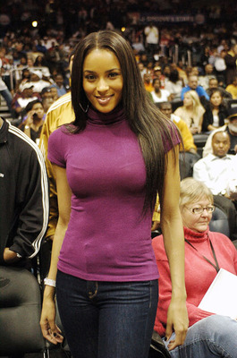 Ciara-atlanta-hawks-basketball-game-2_display_image