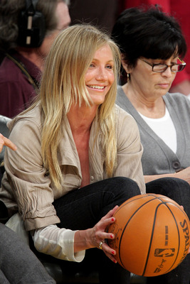 LOS ANGELES, CA - MAY 06:  Cameron Diaz attends the Los Angeles Lakers vs Houston Rockets game at Staples Center on May 6, 2009 in Los Angeles, California.  (Photo by Noel Vasquez/Getty Images)