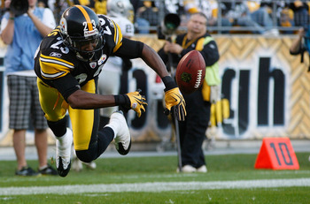 PITTSBURGH - NOVEMBER 21: Keenan Lewis #23 of the Pittsburgh Steelers goes airborne while attempting to hit a ball out of the endzone during a kickoff against the Oakland Raiders during the game on November 21, 2010 at Heinz Field in Pittsburgh, Pennsylva