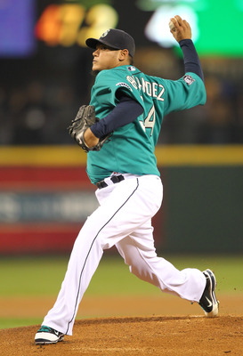 SEATTLE - MAY 06:  Starting pitcher Felix Hernandez #34 of the Seattle Mariners pitches against the Chicago White Sox at Safeco Field on May 6, 2011 in Seattle, Washington. The Mariners won 3-2. (Photo by Otto Greule Jr/Getty Images)