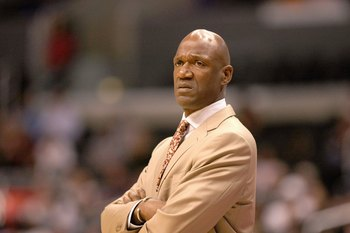 LOS ANGELES, CA - JANUARY 11:  Head coach Terry Porter of the Phoenix Suns watches the action against the Los Angeles Clippers on January 11, 2009 at Staples Center in Los Angeles, California.  The Suns won 109-103.   NOTE TO USER: User expressly acknowle