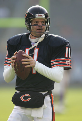 CHICAGO - DECEMBER 5:  Recently signed quarterback Jeff George #11 of the Chicago Bears warms up prior to a game against the Minnesota Vikings on December 5, 2004 at Soldier Field in Chicago, Illinois. (Photo by Jonathan Daniel/Getty Images)