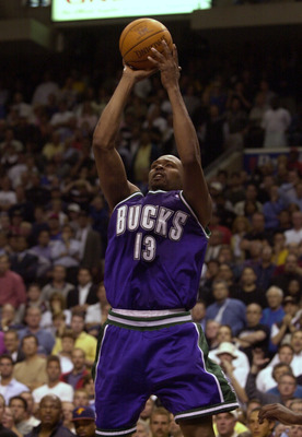 30 May 2001:  Glenn Robinson #13 of the Milwaukee Bucks takes a shot at the buzzer that could have won game 5 of the Eastern Conference Finals at the First Union Center in Philadelphia, Pennsylvania. The 76ers won 89-88.  DIGITAL IMAGE  Mandatory Credit: