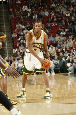 SEATTLE - DECEMBER 1:  Rashard Lewis #7 of the Seattle Sonics controls the ball against the Indiana Pacers on December 1, 2006 at Key Arena in Seattle, Washington. The Sonics won 105-103. NOTE TO USER: User expressly acknowledges and agrees that, by downl