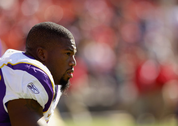 SAN FRANCISCO - AUGUST 22:  Ray Edwards #91 of the Minnesota Vikings stands on the sidelines during their preseason game against the San Francisco 49ers at Candlestick Park on August 22, 2010 in San Francisco, California.  (Photo by Ezra Shaw/Getty Images