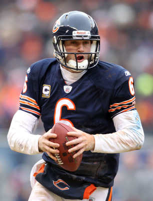 CHICAGO, IL - JANUARY 16:  Quarterback Jay Cutler #6 of the Chicago Bears looks to throw the ball against the Seattle Seahawks in the 2011 NFC divisional playoff game at Soldier Field on January 16, 2011 in Chicago, Illinois.  (Photo by Andy Lyons/Getty I
