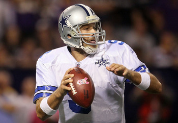 MINNEAPOLIS - OCTOBER 17:  Quarterback Tony Romo #9 of the Dallas Cowboys drops back to pass against the Minnesota Vikings at Mall of America Field on October 17, 2010 in Minneapolis, Minnesota.  (Photo by Jeff Gross/Getty Images)