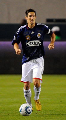 CARSON, CA - MAY 08:  Sacha Kljestan #16 of Chivas USA during the second half of the MLS soccer match against Houston Dynamo on May 8, 2010 at the Home Depot Center in Carson, California.  (Photo by Kevork Djansezian/Getty Images)