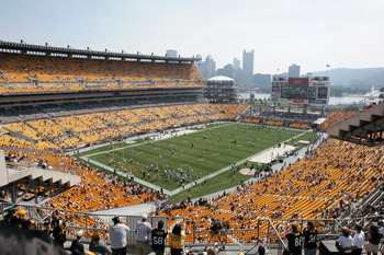 PITTSBURGH - SEPTEMBER 12:  General view of Heinz Field before the game between the Pittsburgh Steelers and the Oakland Raiders on September 12, 2004 in Pittsburgh, Pennsylvania. The Steelers defeated the Raiders 24-21. (Photo by Andy Lyons/Getty Images)