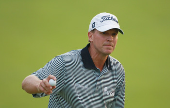 DUBLIN, OH - JUNE 05:  Steve Stricker waves to the gallery on the 17th green during the final round of the Memorial Tournament presented by Nationwide Insurance at the Muirfield Village Golf Club on June 5, 2011 in Dublin, Ohio.  (Photo by Scott Halleran/