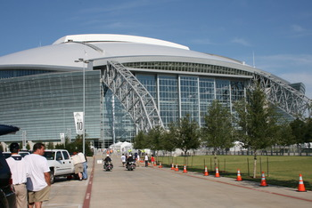 Approaching Cowboys Stadium