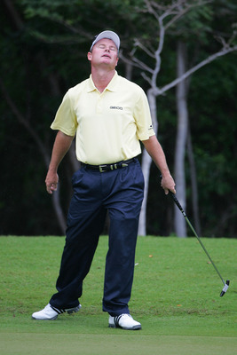 RIVIERA MAYA, MEXICO - FEBRUARY 21:  Joe Durant reacts to missing a birdie putt on the 11th green during the final round of the Mayakoba Golf Classic at El Camaleon Golf Club held on February 21, 2010 in Riviera Maya, Mexico.  (Photo by Michael Cohen/Gett