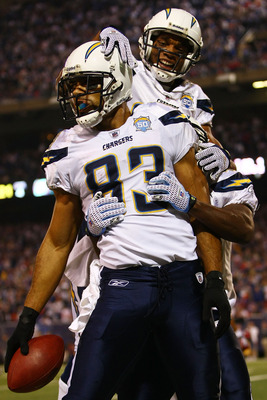 EAST RUTHERFORD, NJ - NOVEMBER 08: Vincent Jackson #83 of the San Diego Chargers celebrates his go-ahead touchdown with teammate Malcolm Floyd #80 against the New York Giants on November 8, 2009 at Giants Stadium in East Rutherford, New Jersey.  (Photo by