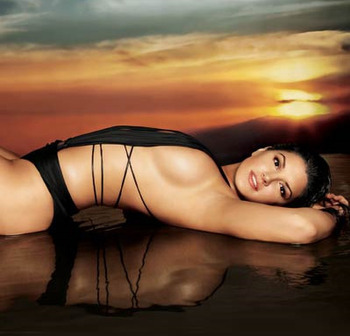 Gina_carano_maxim_original_display_image