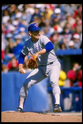 1991:  Pitcher Nolan Ryan of the Texas Rangers winds up for the pitch. Mandatory Credit: Rick Stewart  /Allsport