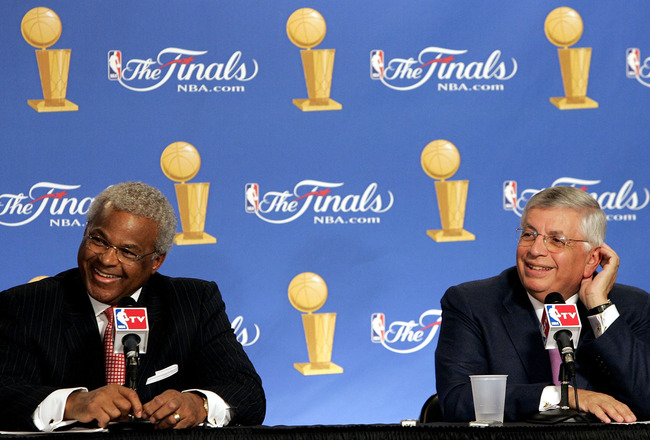 SAN ANTONIO - JUNE 21:  (L-R) Billy Hunter, President of the NBA Players Association and NBA commissioner David Stern smile at a press conference announcing that the NBA and the NBA Players Association have agreed in principal on a new 6-year Collective B