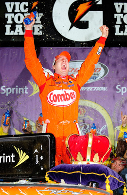 2009_richmond_may_nscs_kyle_busch_victory_lane